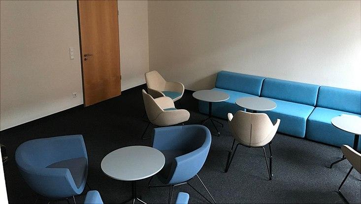 Foto von der neu eingerichteten Studierenden-Lounge im Gorch-Fock-Wall 7.
