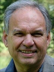 Profilbild von Univ.-Prof. Dr. Michael Moxter.