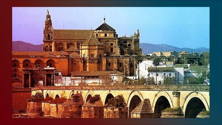 Römische Brücke und Große Moschee in Córdoba