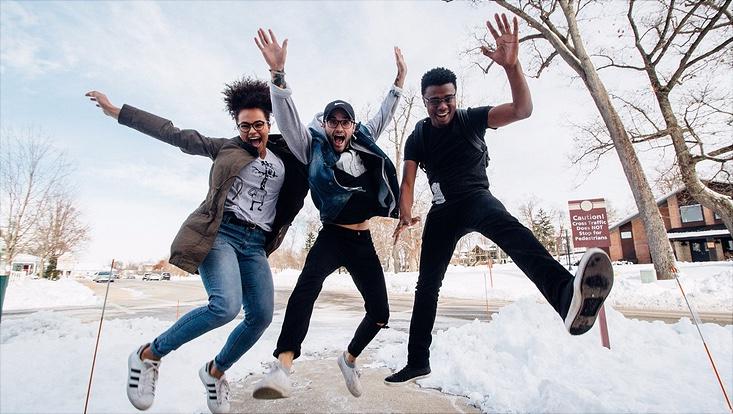 Studenten im Schnee