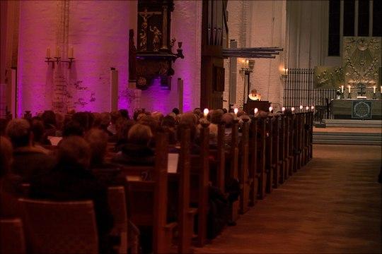 Es predigt Bischöfin Kirsten Fehrs in der Hauptkirche St. Katharinen Hamburg.