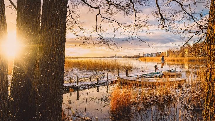 Boote vor Helsinki im Herbst