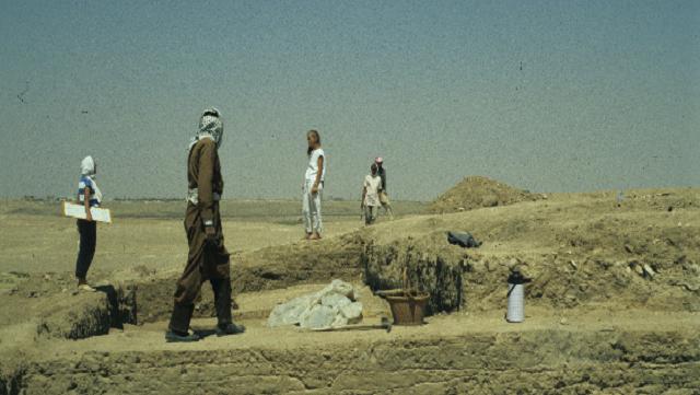 Excavation in Raqqa, 1985