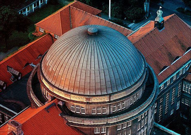 Hauptgebäude, Edmund-Siemers-Allee 1, Luftaufnahme